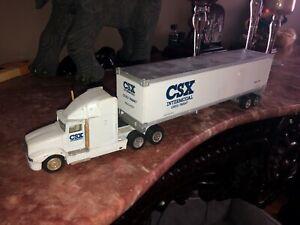CSX TRACTOR TRAILER TRUCK LONG HAULER RIG,SEMI 18-WHEELER, MDK, INC 1:43