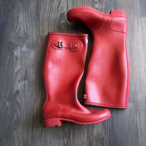 Hunter Women's Original Tall Rain Boots Red Rubber Size 7