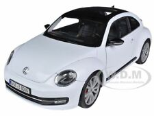 Box Dented 2012 VOLKSWAGEN NEW BEETLE WHITE 1/18 DIECAST MODEL BY WELLY 18042