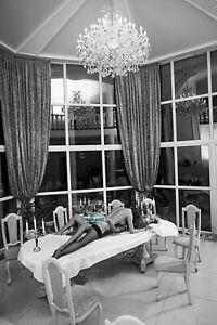 Plakate 40x60cm Akt Erotik nackte Frau und Freundin auf dem Tisch A145