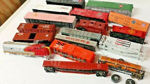 HO Scale Assorted JUNK Lot of Freight Car Bodies: Box Cars, Gons, Cabooses