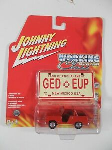 Johnny Lightning 1/64 Working Class 1966 Ford Bronco