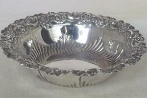 A STUNNING ANTIQUE STERLING SILVER VICTORIAN BON BON DISH SHEFFIELD 1893.