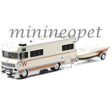 GREENLIGHT 51082 1973 WINNEBAGO CHIEFTAIN RV with BOAT AND TRAILER 1/64 CREAM