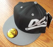 DC Shoes Black Team Player New Era Fitted Hat Size 7 Brand New