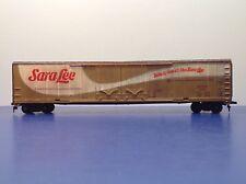 "HO Scale ""Sara Lee"" ERDX 10061 Freight Train Box Car / 62 Footer"