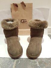 Original /ugg uggs boots size 6. Or eu 39. Lite brown.