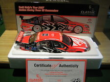 CLASSIC CARLECTABLES 1/18 HOLDEN VE      Todd Kelly  HRT 2011    18292