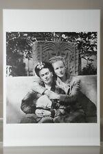 FRIDA KAHLO & EMMY LOU PACKARD by DIEGO RIVERA, Kunst-Postkarte
