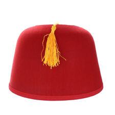 Chapeaux et coiffes rouges en costume national pour déguisement et costume