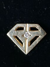 14/20 G.F DIAMOND SHAPED LAPEL PIN WITH 1 NATURAL ROUND FULL CUT DIAMOND MELEE