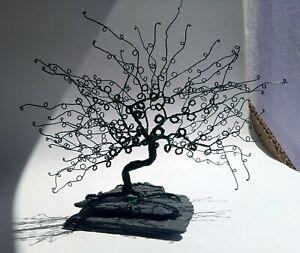 Wire Tree Sculpture. Bonsai Tree. Handmade. OOAK. Miniature tree. Green.