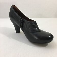 "Womens Artisan By Clarks Black Leather ""Society Ascot"" Pump Size 5.5M"