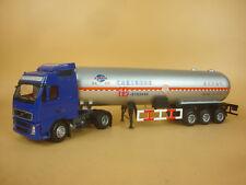 1/32 Volvo oil transport truck diecast model