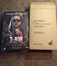Terminator Hot Toys T-800 Battle Damaged MMS 238 Arnold Schwarzenegger T1 1/6