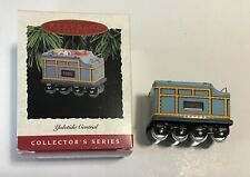 1995 Hallmark Keepsake Ornament Yuletide Central Pressed Tin Collector's Series