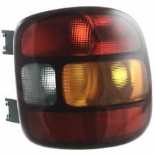 New GM2801136 Passenger Side Tail Light for Chevrolet Silverado 1500 1999-2003