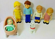 LITTLE TIKES DOLLHOUSE FAMILY PEOPLE DOLL LOT + dog