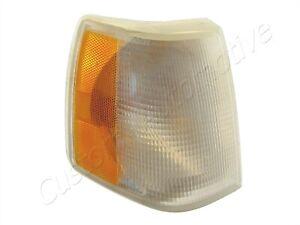 88-94 VOLVO 760 940 960 RH CORNER LIGHT 35186238 passenger turn signal park lamp