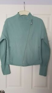 LORNA JANE Uniquely Asymmetrical Front Zip Long Sleeve  Athletic Top Size M