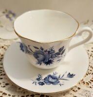 Vintage, Elizabethan Fine Bone China~ Taylor & Kent Cup/ Saucer ~ England~ MINT