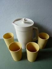pichet et 4 ses verres gobelets Tupperware France, vintage années 70, camping