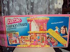 1975 Barbie Fashion Plaza 95% complete HTF Veil included Free Shipping!