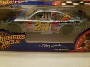 JEFF GORDON 2000 DUPONT NASCAR 2000 1/24 WINNERS CIRCLE DIECAST CAR