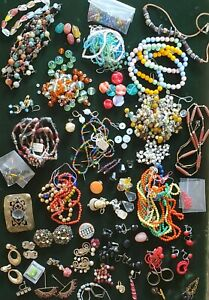 Lot of Vintage, Glass and Plastic Beads. Craft Jewelry Making Supply