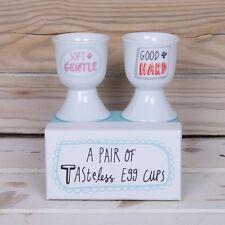 Une paire de insipide coquetiers en boîte cadeau céramique grossier blague cadeau nouveau