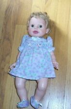 """Playmates 2000 Amazing Babies interactive 15"""" Blonde Baby Girl Doll, Excellent"""