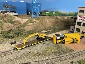 HO Scale Athearn TTX Flat Car With Caterpillar Tractor Excavator Load Train 1:87