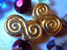 Letzte vergoldete Mäander Doppel-Schnecken-Perle - 16x9mm -helles Gold-