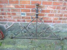 Ancien fer forger faîtage de toit ( ancien presbytère) 125 x 75 cm 2 pièces