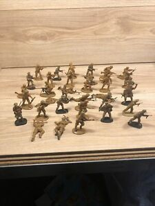 Plastic Army Men Lot Mixed Action Figures Toy Soldiers x 36
