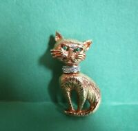VINTAGE Stylized Cat Kitty Green Eyes Rhinestones & Collar PIN BROOCH Gold Tone!