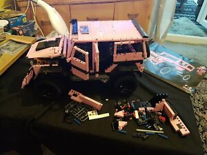 Pink Jeep PEXL 4 x 4 Off-Road Punk Jeep Compatible With Technic Lego