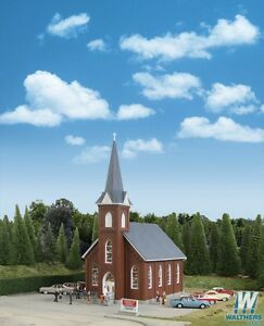 3496 Walthers Cornerstone Town Brick Church  HO Scale