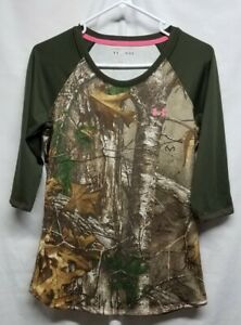 Under Armour Women's Medium Heatgear Fitted Coupe 3/4 Sleeve Camouflage Shirt