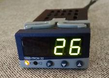 JUMO ITRON 32 702040/88-888-000-16/061,210 Temperature Controller / Used