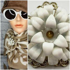 Vintage Enamel Metal Flower Brooch Pin WHITE Golden MOD GOGO 60s Style