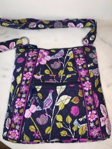 Vera Bradley - FLORAL NIGHTINGALE retired pattern - Hipster Crossbody Bag