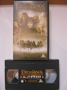 THE LORD OF THE RINGS:THE FELLOWSHIP OF THE RING VHS VIDEO. EAN: 5017239114731.