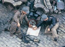 "Verlinden 1/35 ""Map Check"" German Soldiers examining Map WWII (2 Figures) 1974"