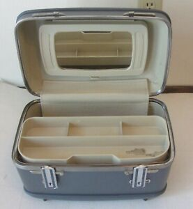 Vintage American Tourister Blue Cosmetic Train Travel Luggage Case w/Keys Nice!