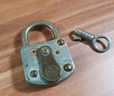Sehr altes Vorhängeschloss Bügelschloss Burg mit Schlüssel 7x4,5cm 100g TOP!