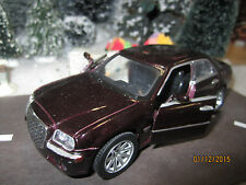 "TRAIN GARDEN VILLAGE HOUSE  "" CHRYSLER 300 CAR "" + DEPT 56/LEMAX INFO!WOW"
