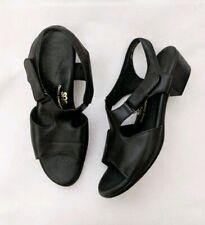 SAS Black Suntimer Tripad Comfort Leather Strappy Sandals Womens Size 9.5 AAA