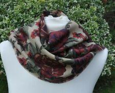 Foulard en Liberty Varuna laine beige bordeaux vert rouille violet motif fleuri marron