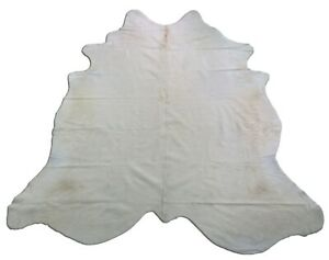 White Cowhide Rug Size: 7' X 7' Off-white Brazilian Cowhide Rug in Cream Color